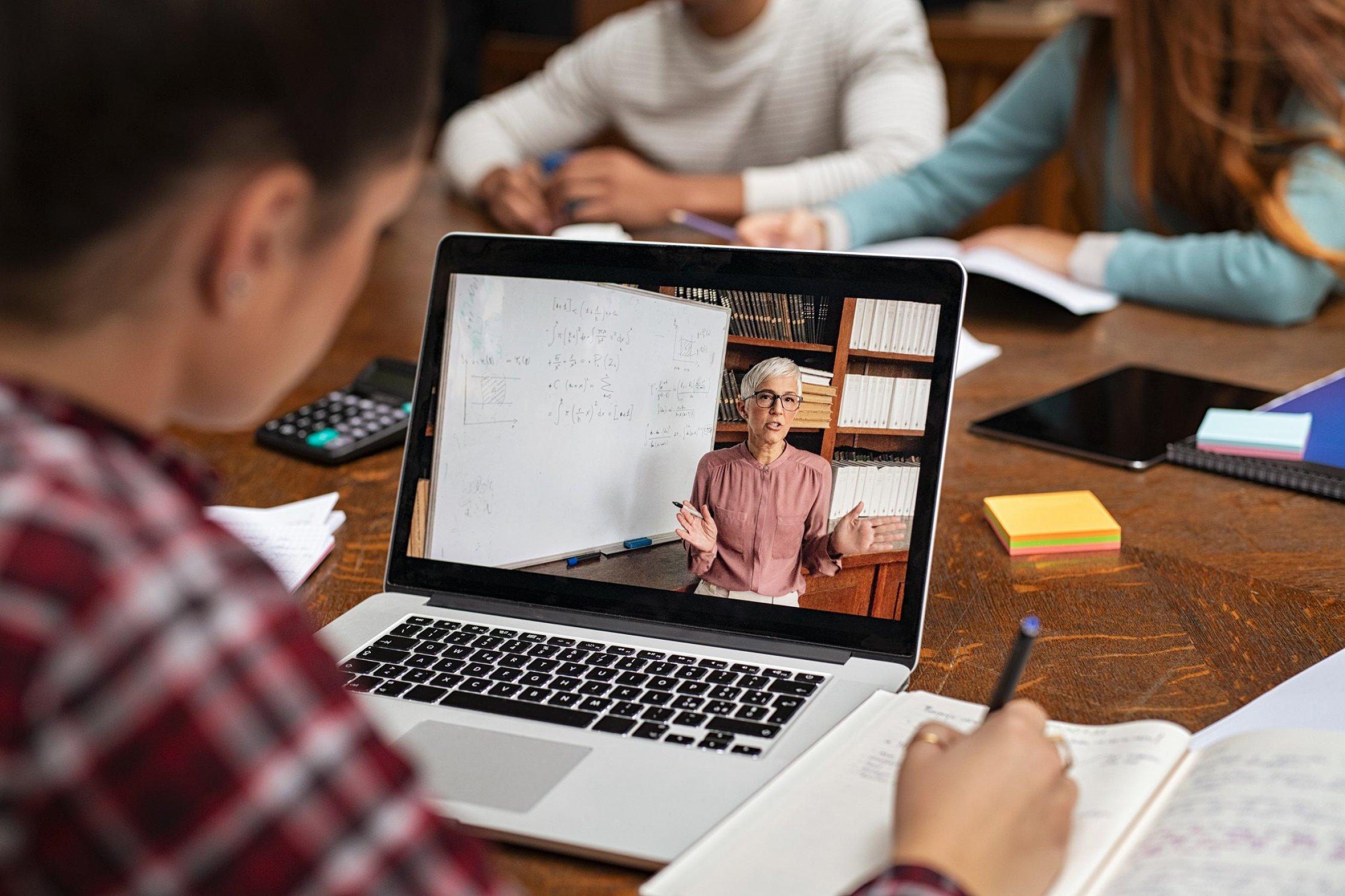 5 beneficios de las plataformas elearning para la educación